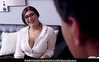 BUMS BUERO - Curvy German vixen pounded hard off out of one's mind her boss
