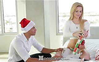 Passion-HD - Bella fucks her secret Santa be incumbent on Xmas