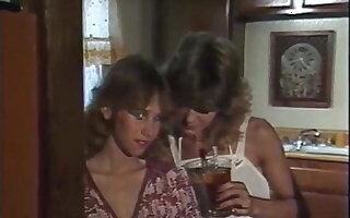 Aerobisex Girls 1983 - Lesbian Dusting Sex